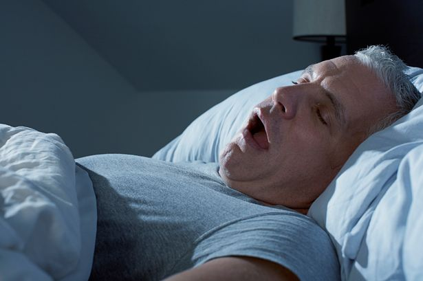Khó thở khi nằm nghỉ dẫn đến người bệnh bị mất ngủ