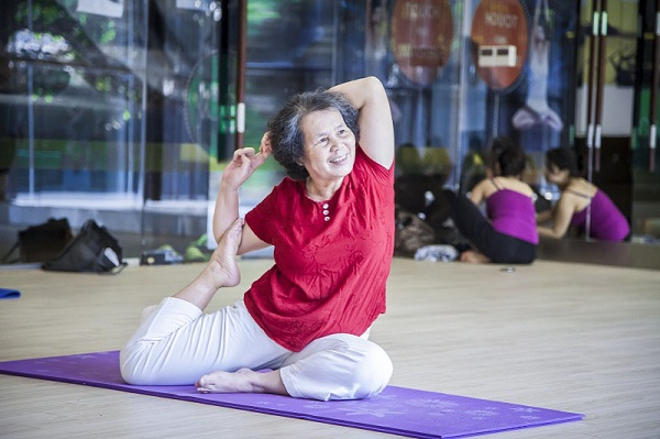 Yoga tốt cho bệnh thoái hóa khớp gối