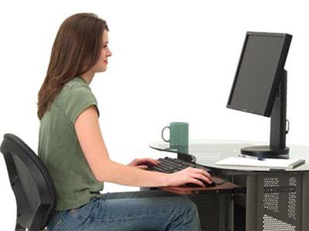 Điều chỉnh tư thế ngồi máy tính